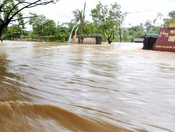 Nghệ An: Mưa lớn kéo dài, nhiều nơi ngập lụt