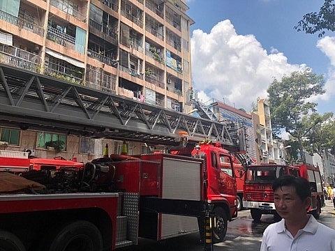 TP HCM: Cháy ký túc xá trường CĐ Cao Thắng, cứu được 28 người mắc kẹt bên trong
