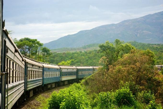 Đường sắt Thống nhất Bắc Nam lọt top 10 tuyến đường sắt đẹp nhất thế giới
