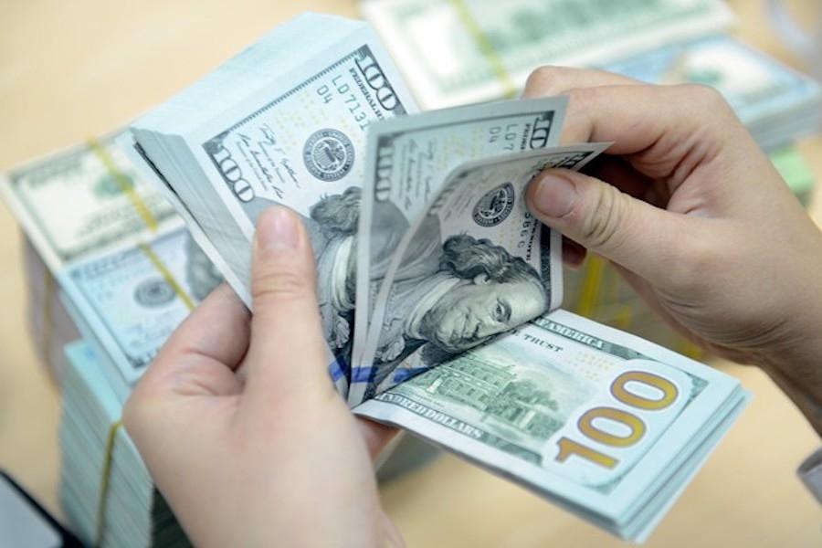 Nhiều ngân hàng dừng nhận tiền gửi của người nước ngoài