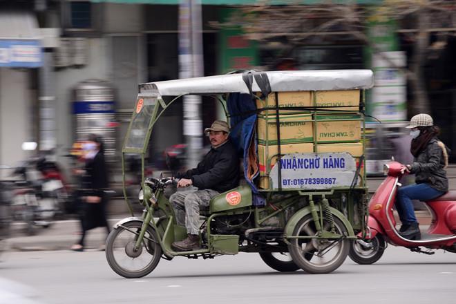 Hà Nội: Phần lớn lái xe 3 bánh chở hàng là thương binh giả