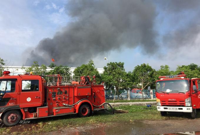Cháy lớn tại Công ty TNHH may mặc Makalot Việt Nam