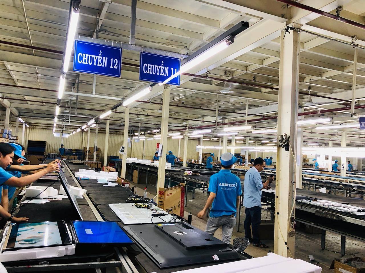 Hàng nghìn công nhân tham gia chuỗi sản xuất tivi Asanzo có nguy cơ thất nghiệp