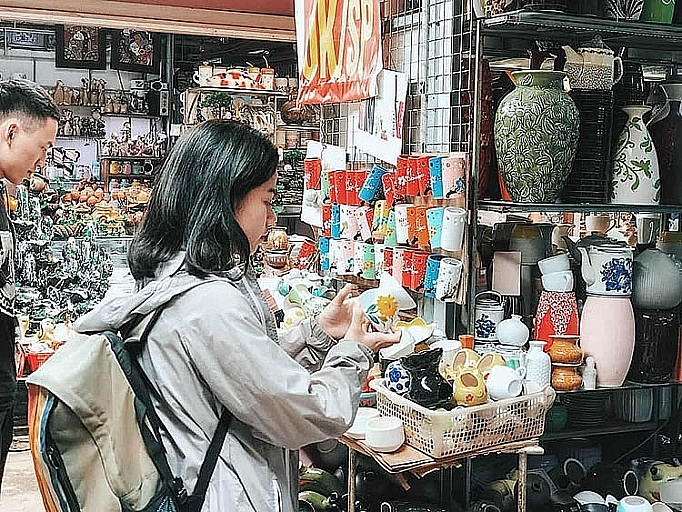 Hà Nội công nhận điểm du lịch Bát Tràng