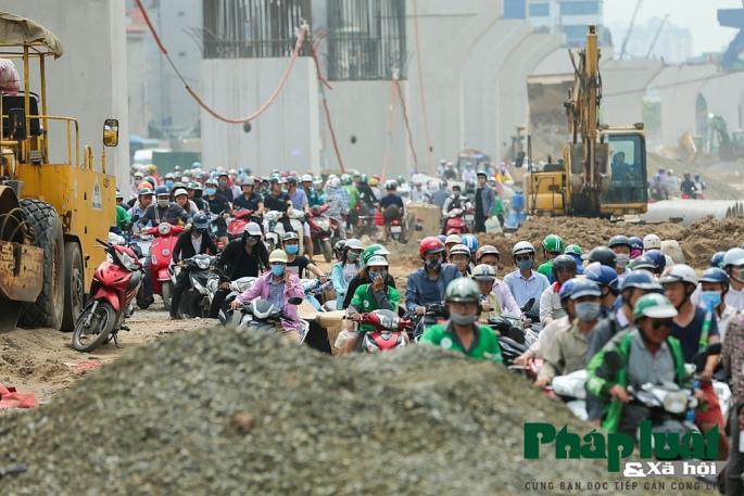 Người Hà Nội trải nghiệm cung đường Off-road bất đắc dĩ giữa lòng Thủ đô