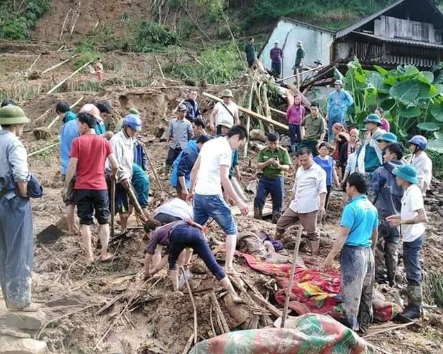 Hà Giang: Mưa lớn gây sạt lở khiến 4 người thương vong, 5 con trâu bị sét đánh chết