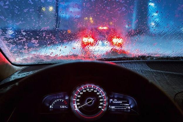 Những thói quen khi lái xe mùa mưa có thể phá hoại ô tô tiền tỷ