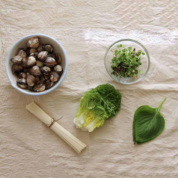 p/Món ngon mỗi ngày: Cách làm mì trộn cực ngon chuẩn vị người Hànp/