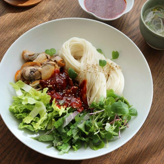 Người Hàn có món mì trộn rất ngon lại cực hợp cho ngày hè nóng nực 5