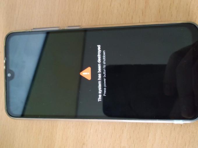 Xiaomi Mi 9 SE biến thành