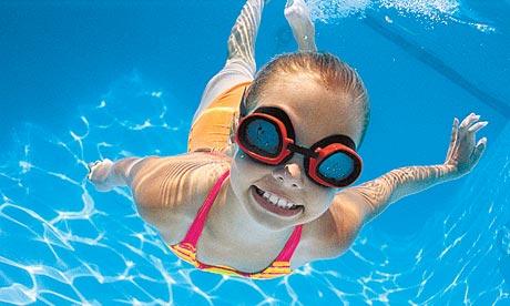 Cách nhận biết bể bơi có sạch và an toàn hay không?