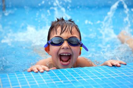 Những điều cha mẹ buộc phải biết khi đưa con đi bơi