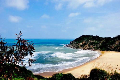 Đại Lãnh là một trong những bãi biển ít ỏi còn hoang sơ của Khánh Hòa