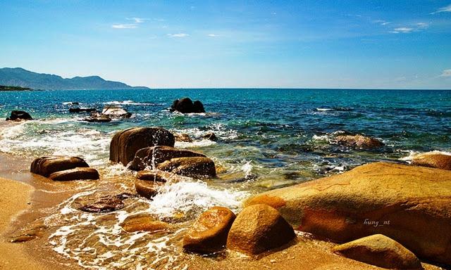 Vẻ đẹp hoang sơ, hùng vĩ của biển Cà Ná