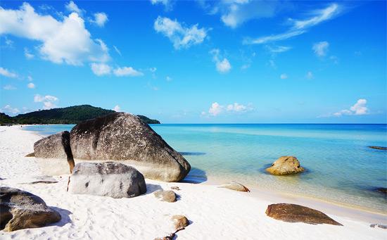 Những bãi biển đẹp hoang sơ ít người biết của Việt Nam