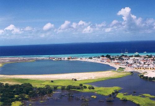 Khách du lịch nước ngoài nên đến Caribbe vào thời điểm giữa Lễ Tạ Ơn và Giáng sinh.  Xem thêm tại: http://www.lamsao.com/top-nhung-tour-du-lich-the-gioi-co-gia-tren-troi-p214a92199.html