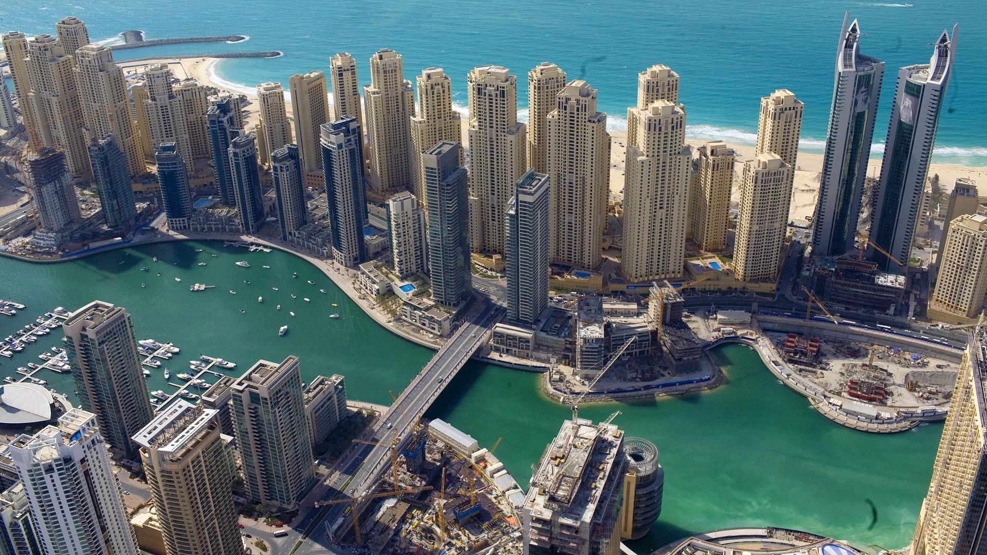 Dubai được mệnh danh là ' Thánh địa của thế giới' vật chất nhờ sở hữu các kỷ lục guiness: tòa nhà cao tầng nhất thế giới, Khu trượt tuyết trong nhà lớn nhất thế giới, khách sang sang trọng bậc nhất thế giới và là thiên đường mua sắm bậc nhất trên thế giới…  Xem thêm tại: http://www.lamsao.com/top-nhung-tour-du-lich-the-gioi-co-gia-tren-troi-p214a92199.html