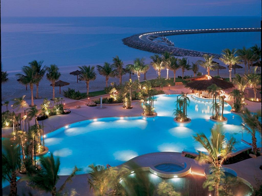Tuy nhiên Dubai không phải là điểm du lịch lý tưởng vào mùa hè vì nhiệt độ quá cao.