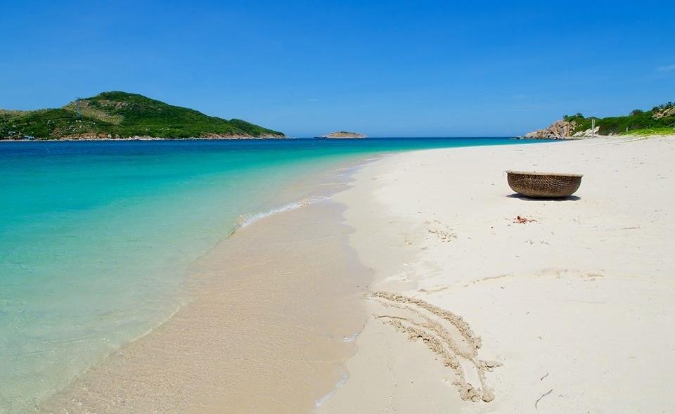 Bãi biển Bình Hưng xinh đẹp.