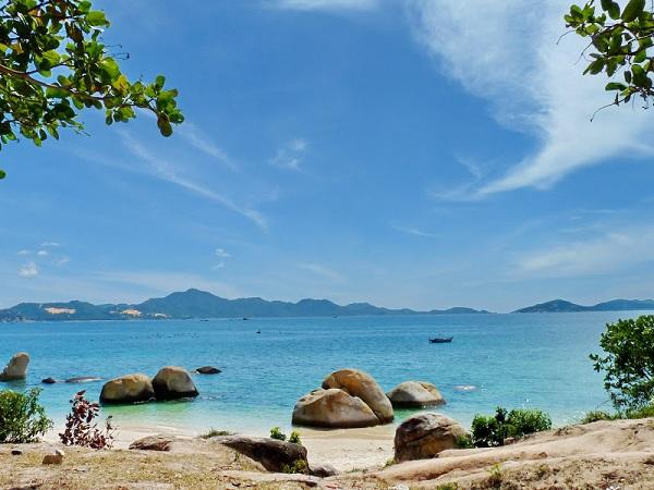 Cảnh đẹp mê hồn ở bãi biển tại Bình Lập.
