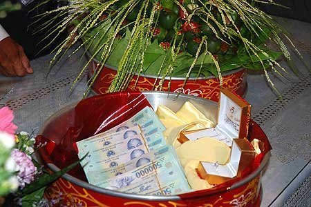 Tráp sính lễ riêng cho cô dâu tùy theo điều kiện kinh tế tường gia đình.
