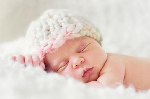 Những điều cấm kỵ khi tới thăm trẻ sơ sinh