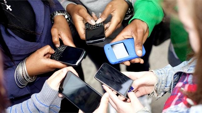 Người Việt dùng điện thoại 150 lần mỗi ngày