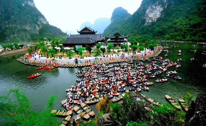 Khách du lịch chuộng đến Việt Nam bằng đường hàng không