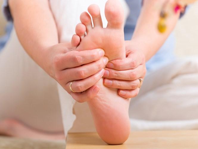 Vì sao chúng ta bị tê chân tay?