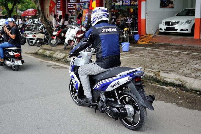 Đi xe máy không biển bị xử phạt thế nào?