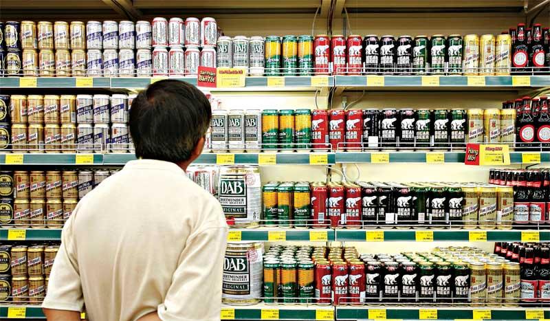 Người tiêu dùng Việt vẫn ''tích cực'' tiêu thụ bia, cà phê và nước ngọt