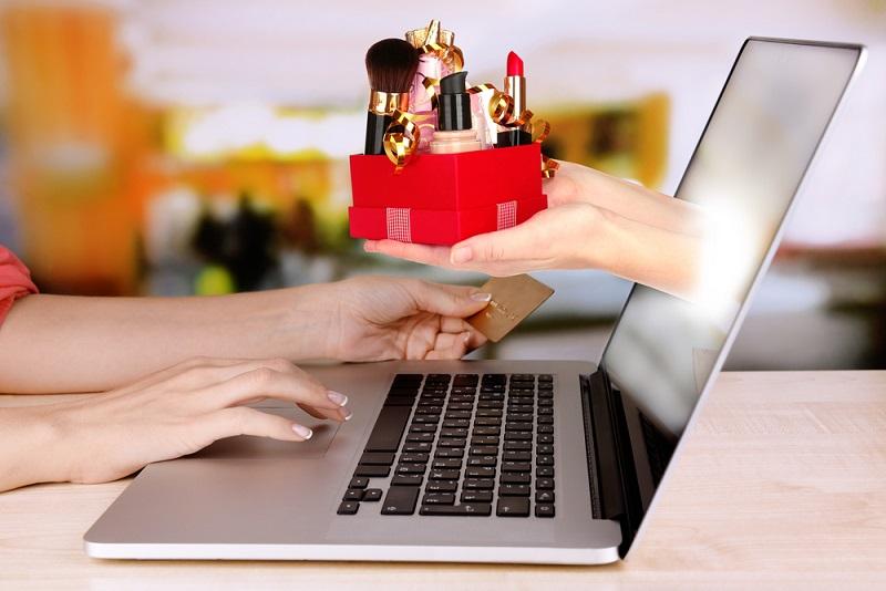 Mỗi người Việt chi khoảng 160 USD để mua hàng trực tuyến