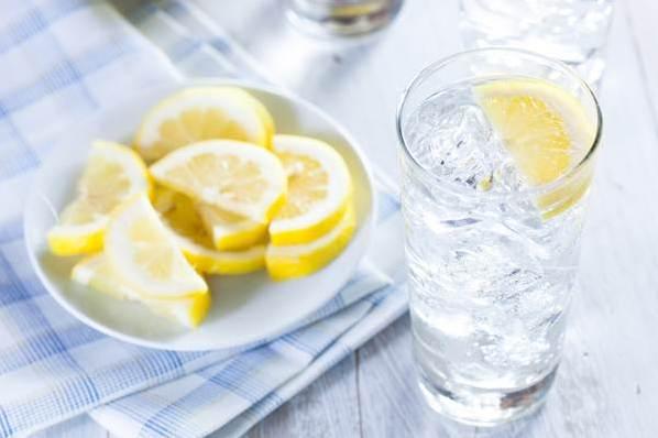 6 sai lầm khi uống nước giải nhiệt vào mùa hè