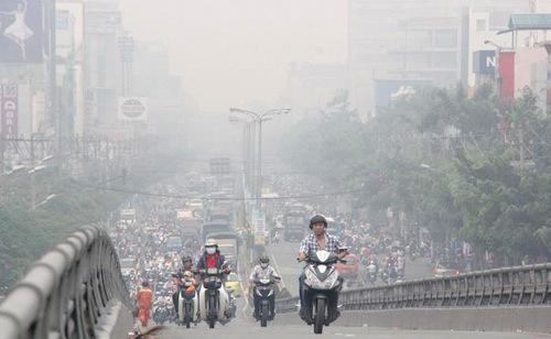 """Dù cải thiện nhưng chất lượng không khí của Hà Nội vẫn... """"tệ"""" hơn TPHCM"""
