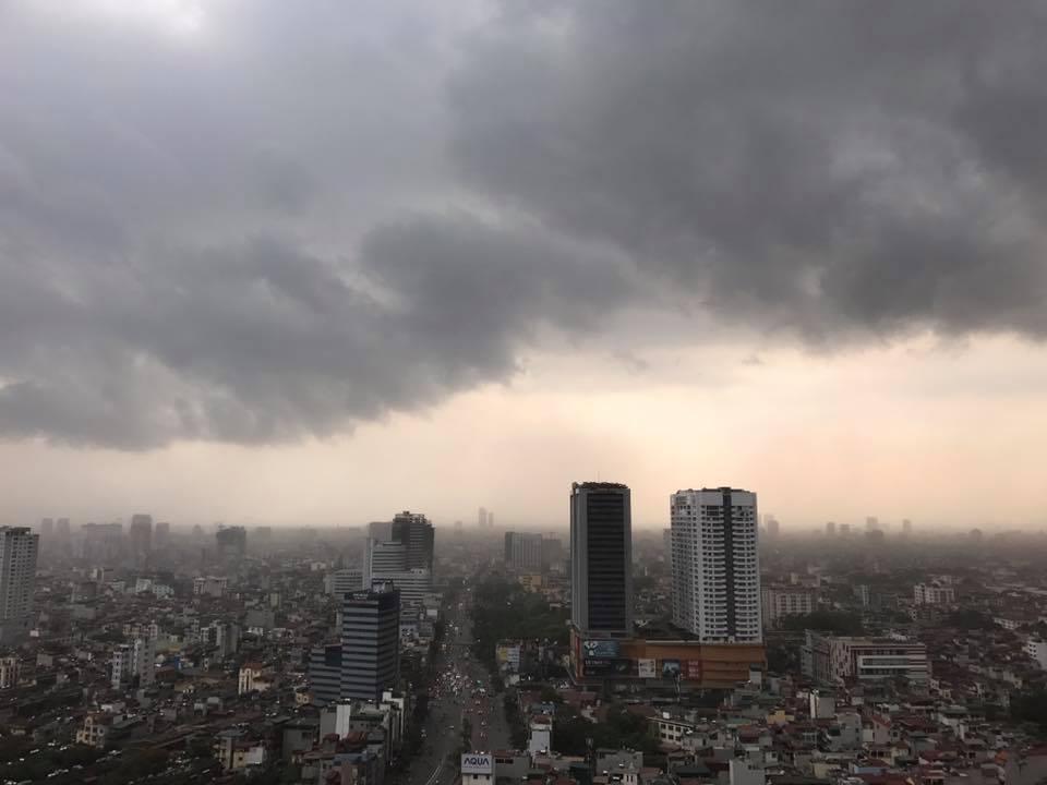 Hà Nội chính thức mưa dông trên diện rộng