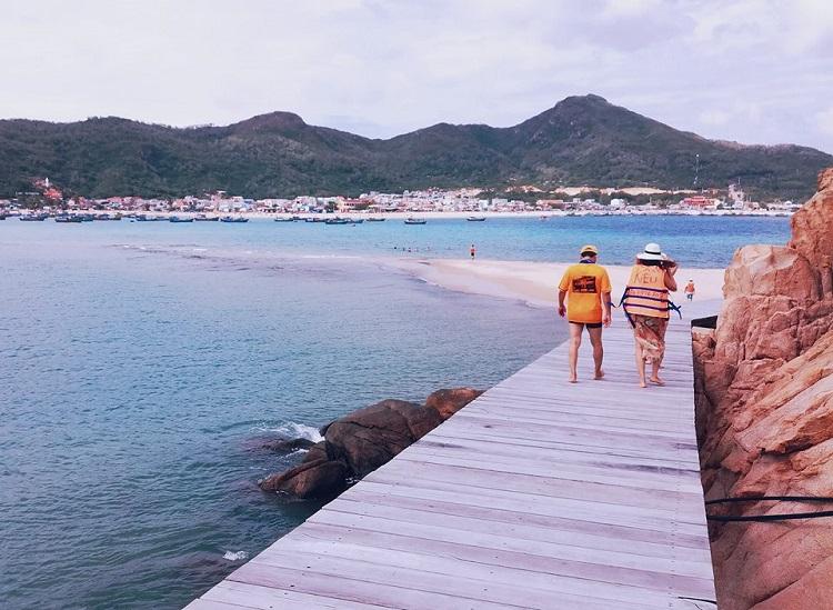 Những cây cầu giữa biển tại Việt Nam được nhiều người check-in trong mùa hè năm 2017