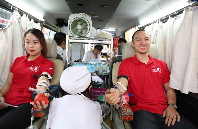 Nhân viên Home Credit tích cực hiến máu nhân đạo