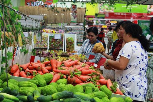 Nửa đầu tháng 11, giá thực phẩm tươi sống ổn định, rau xanh giảm giá