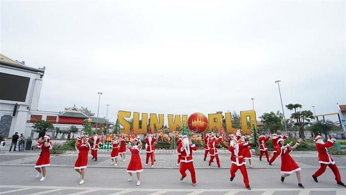 Đón năm mới theo phong cách Lễ hội Ánh sáng Sun World Halong Complex