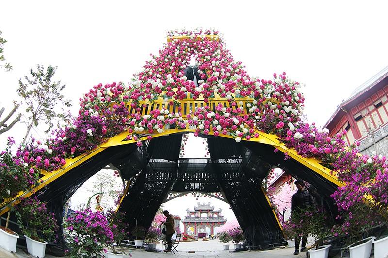 """Khai mạc Lễ hội """"Kỳ quan muôn sắc hoa"""" lớn nhất miền Bắc tại Hạ Long"""