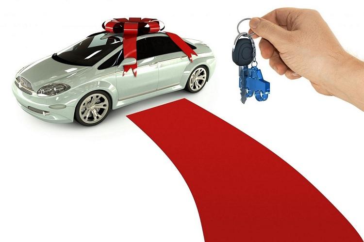 Nóng lòng mua xe ngày cận Tết, người dân cần lưu ý gì?