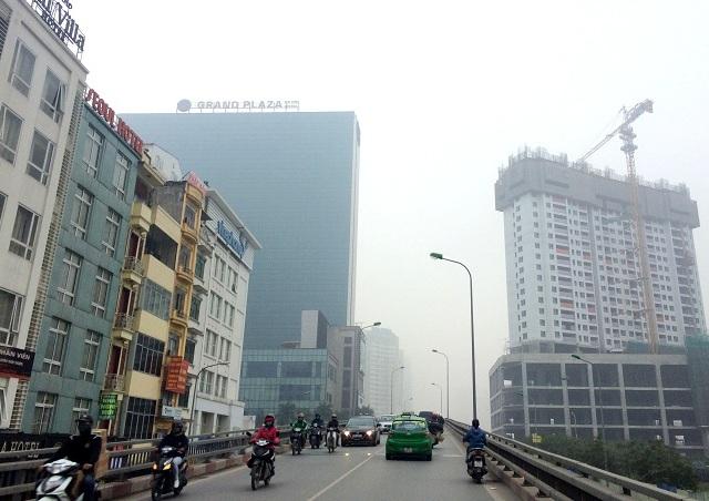 """Không khí Hà Nội ổn định, TPHCM có những giờ không khí đạt ngưỡng """"xanh"""""""