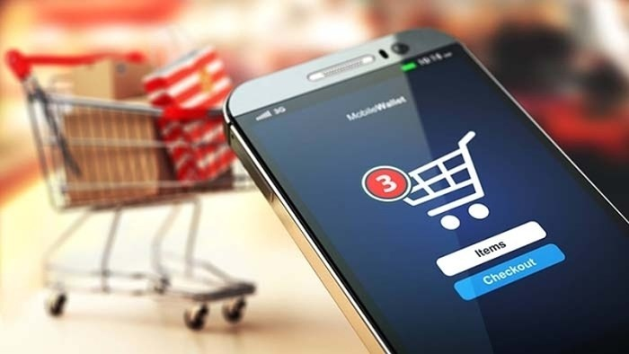 Sự phát triển của công nghệ đã tác động tới thương mại điện tử ra sao?