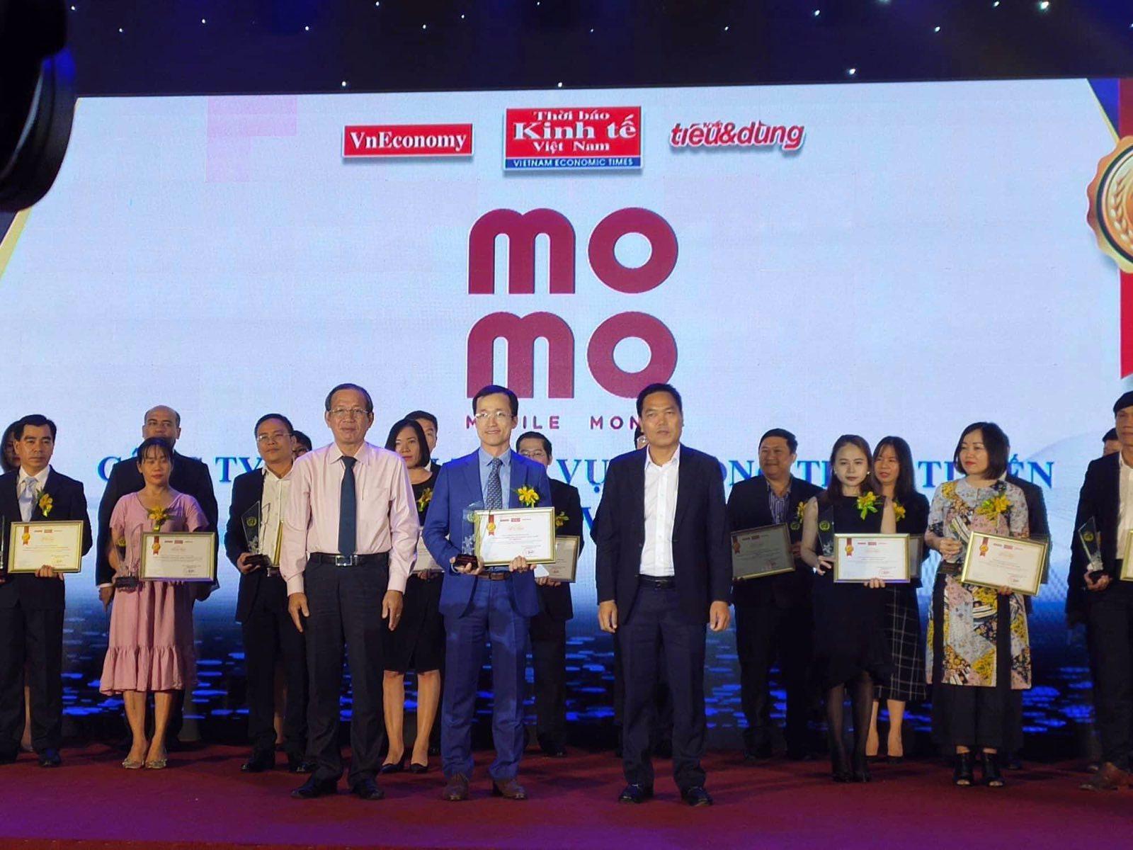 MoMo vào TOP 100 sản phẩm – Dịch vụ Tin & Dùng Việt Nam 2019