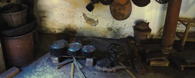 Bếp xưa, tái hiện cả