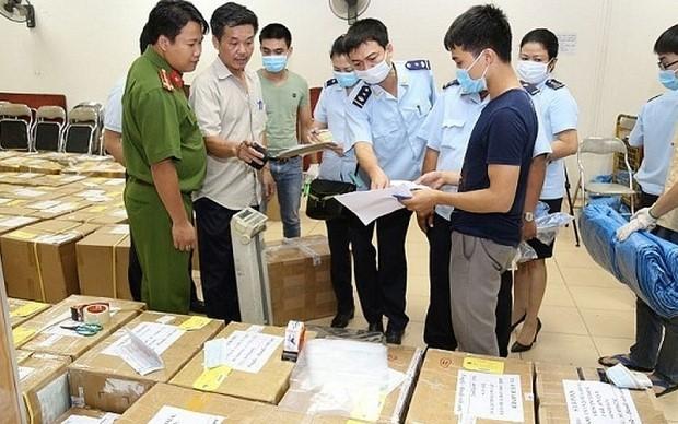Hà Nội mở đợt cao điểm đấu tranh chống buôn lậu, gian lận thương mại dịp Tết
