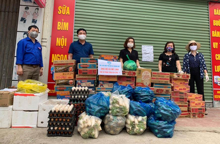 Hỗ trợ người dân thôn Hạ Lôi (huyện Mê Linh) hơn 20 tấn gạo