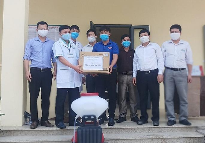 Khen thưởng 18 tập thể, 28 cá nhân trong công tác phòng chống dịch bệnh Covid-19