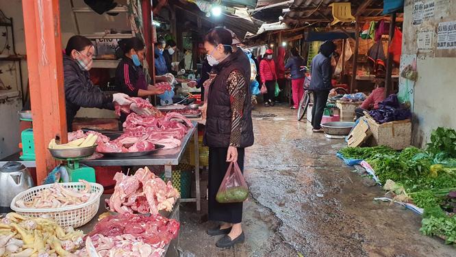 Thị trường ngày 10-4: Siêu thị giảm đến 25% giá thịt lợn