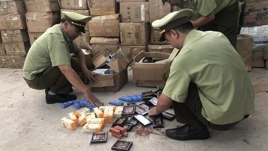 Thu giữ số lượng lớn mỹ phẩm nhập lậu từ Trung Quốc